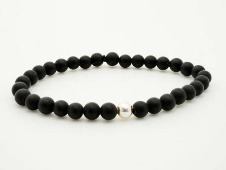 a0980b363e2 ... homme perles noire agate mate par madewithloveinaiaciu. Bracelet perle  noire Onyx mat ...