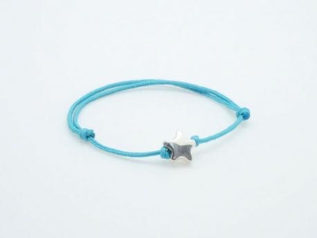 Bracelet perle étoile en argent sur cordon