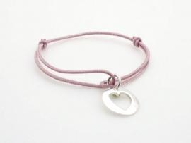 Bracelet breloque cœur en argent sur cordon