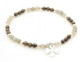 Bracelet perles à facettes et trèfle en argent