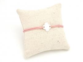 Bracelet petit trèfle stylisé argent sur cordon